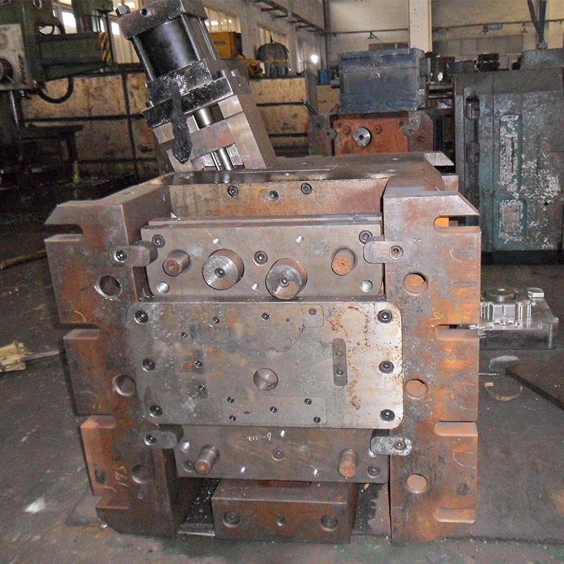 Stampaggio per pressofusione di parti in fusione di alluminio e zinco